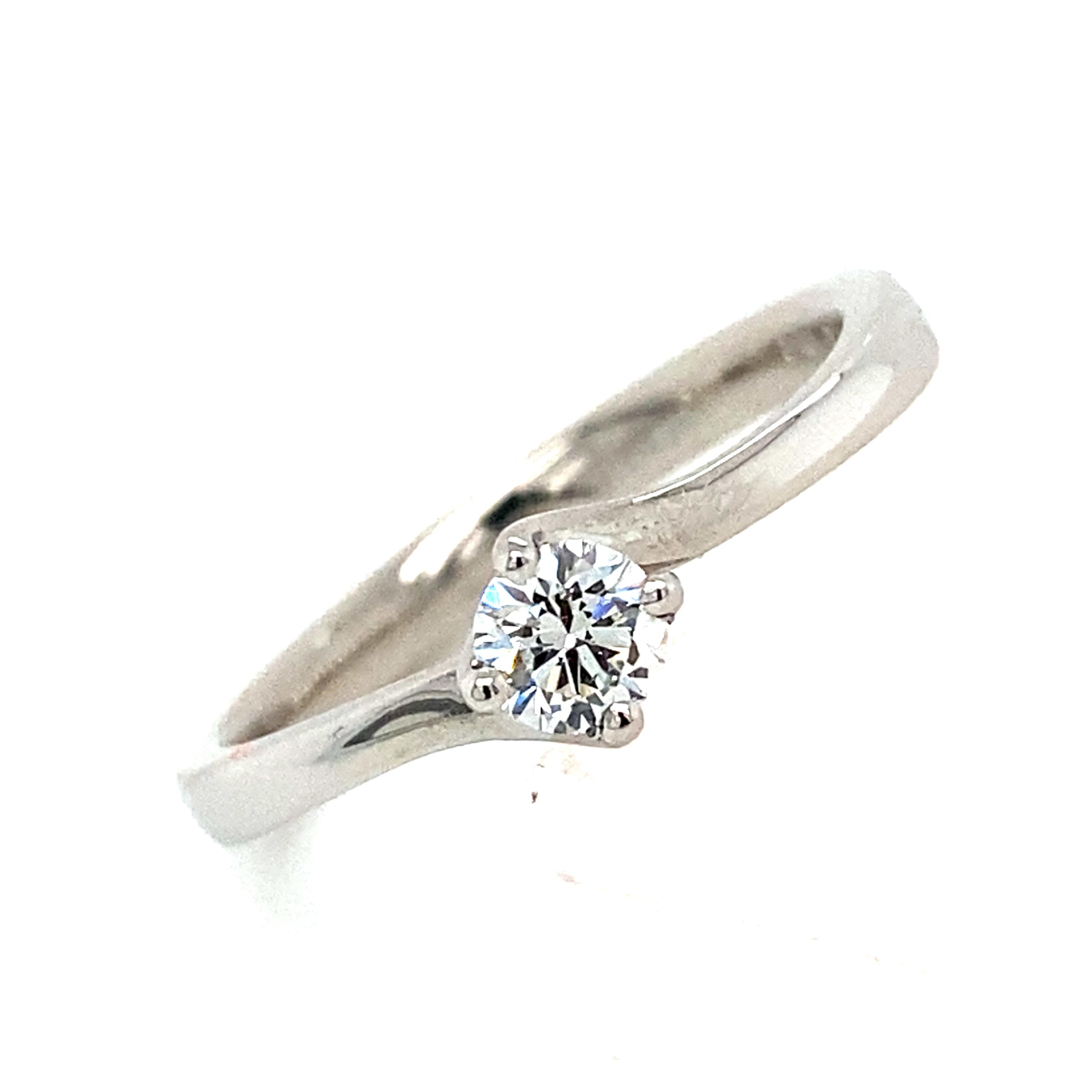Platinum Engagement ring ith a 0.22 Carat GVS Diamond - Ivy