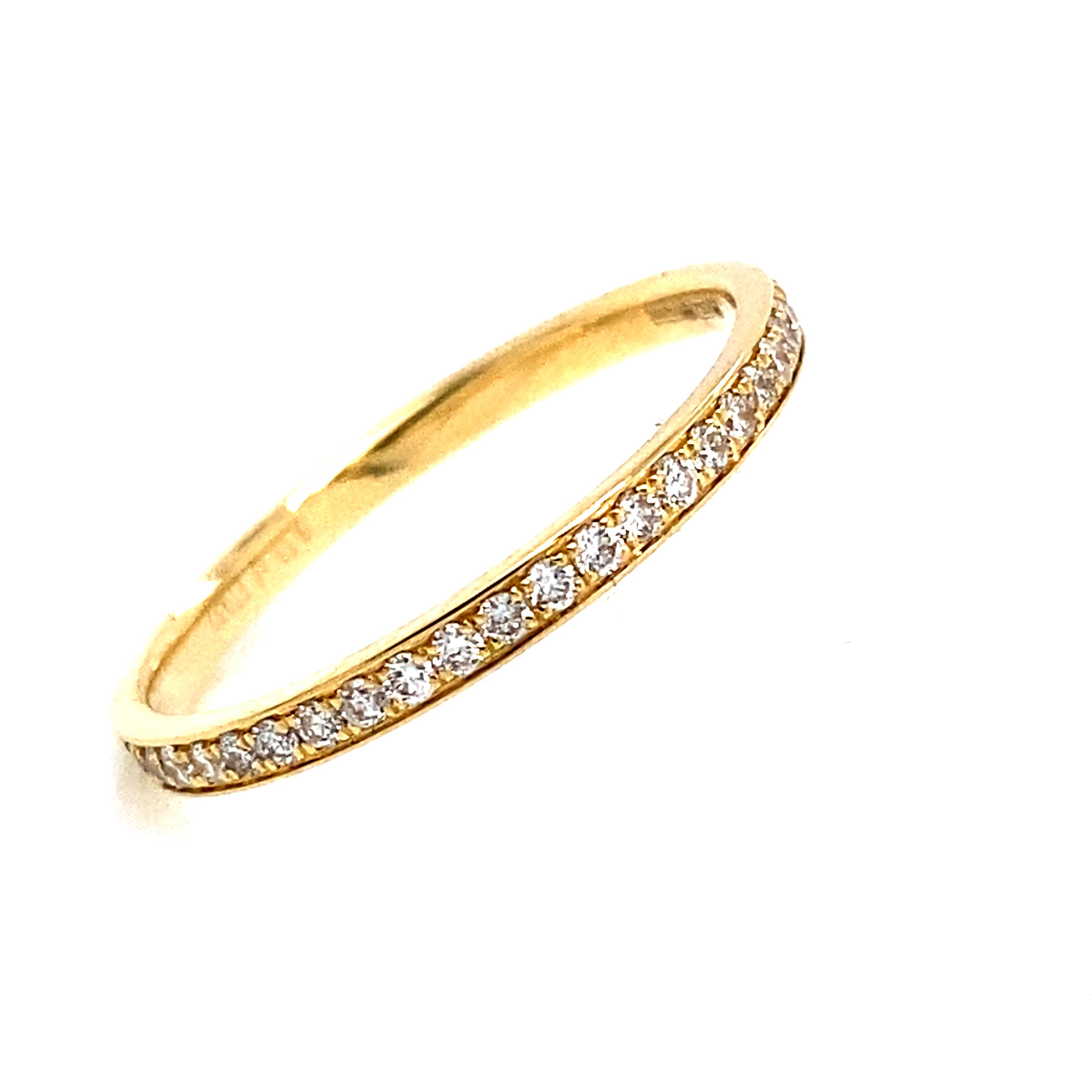 Full Grain Set Eternity Style Ring in 18 Carat Yellow Gold