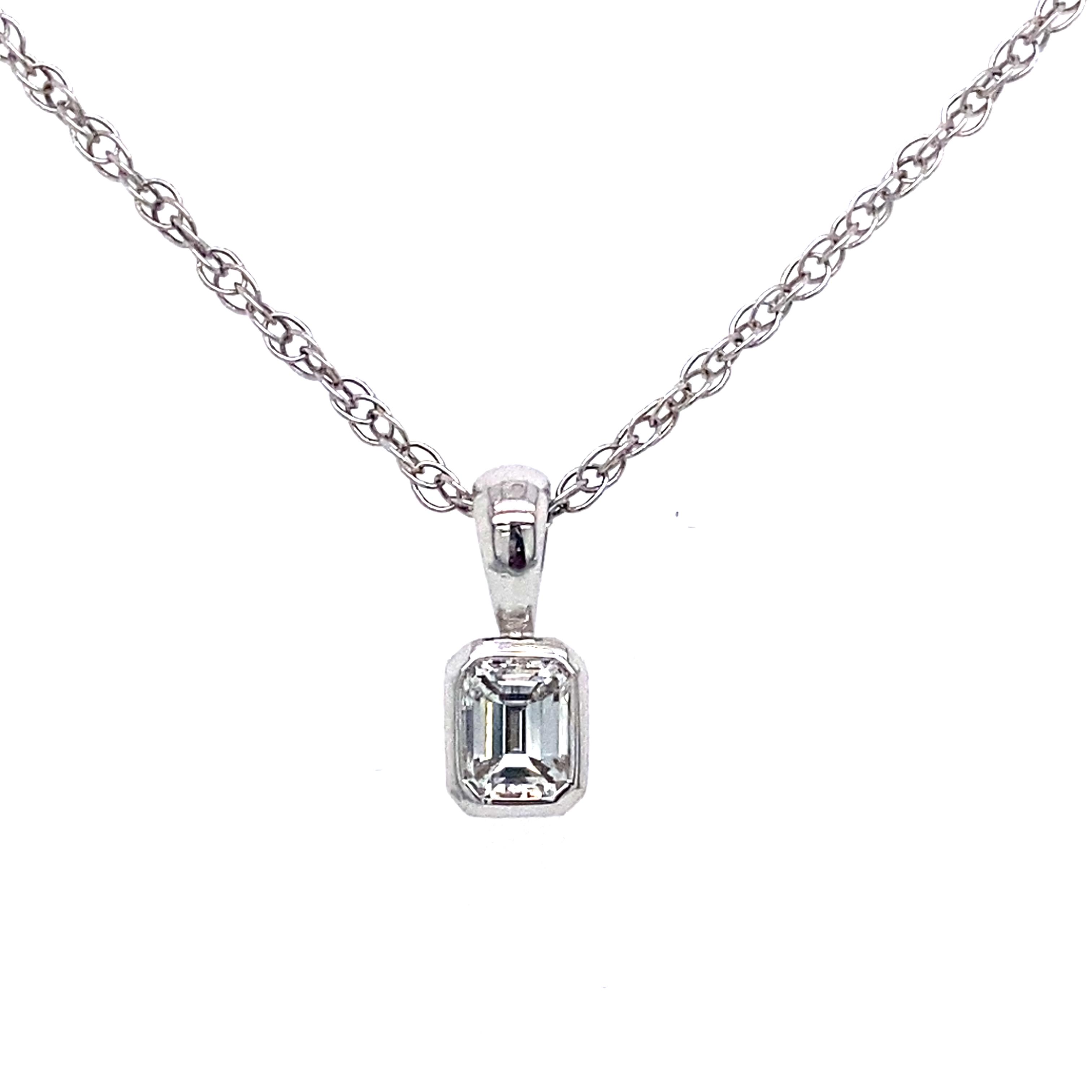 Emerald Cut Diamond Pendant 0.27 E VVS2