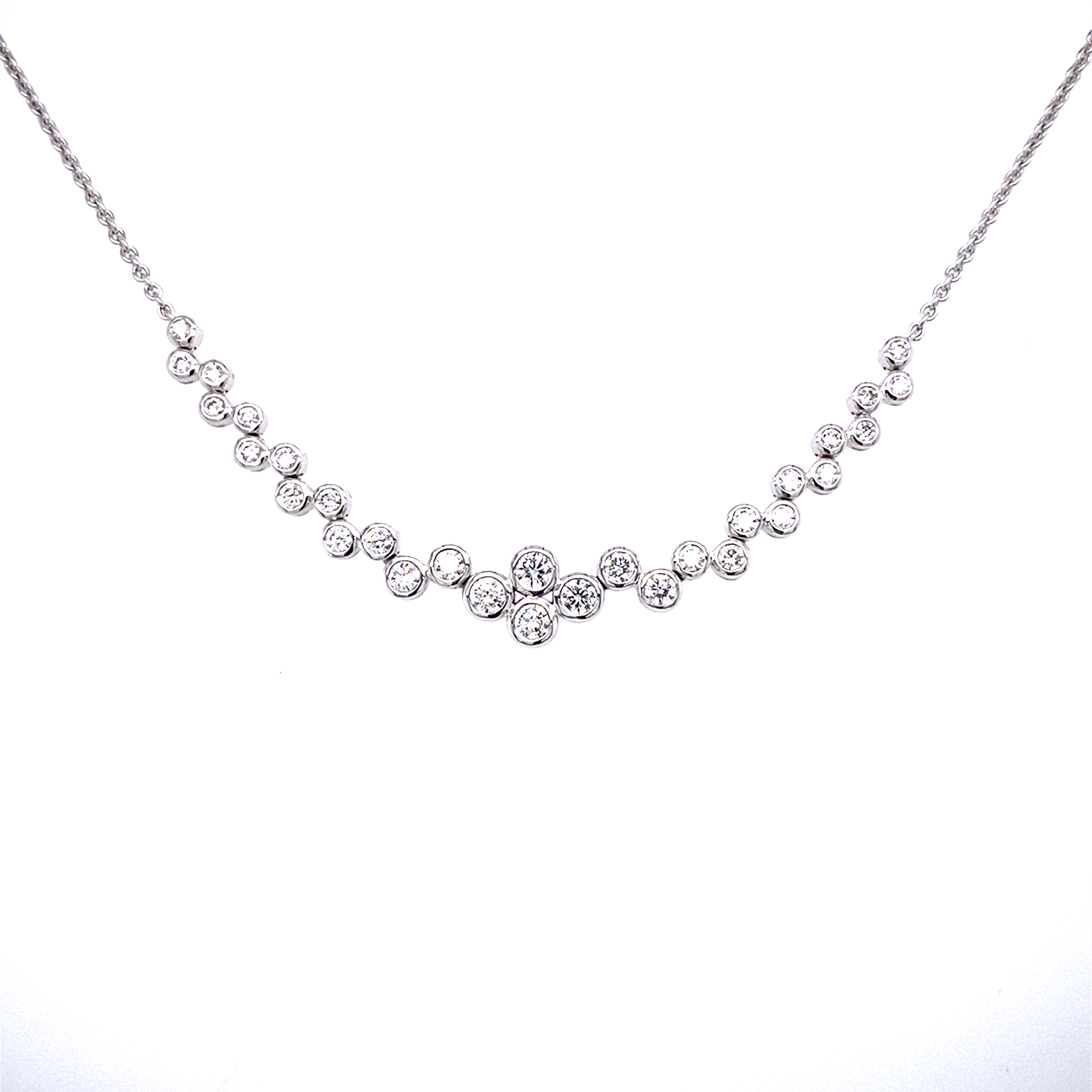 A beautiful 18ct white gold Diamond set necklet